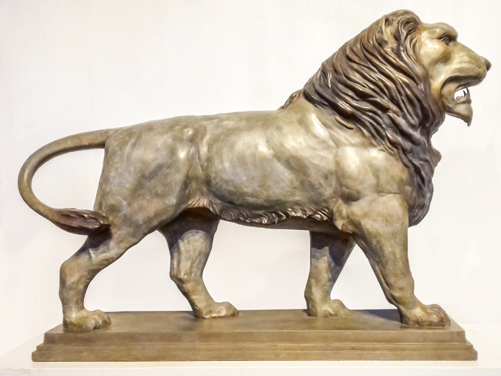 Anatomical sculpture - bronze lion
