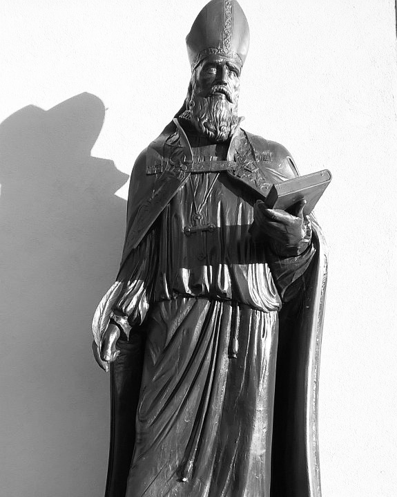 Statue of Bishop William Morgan 1545 - 1604